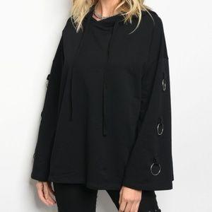Sweaters - 💥💲Black hooded sweater✔✴